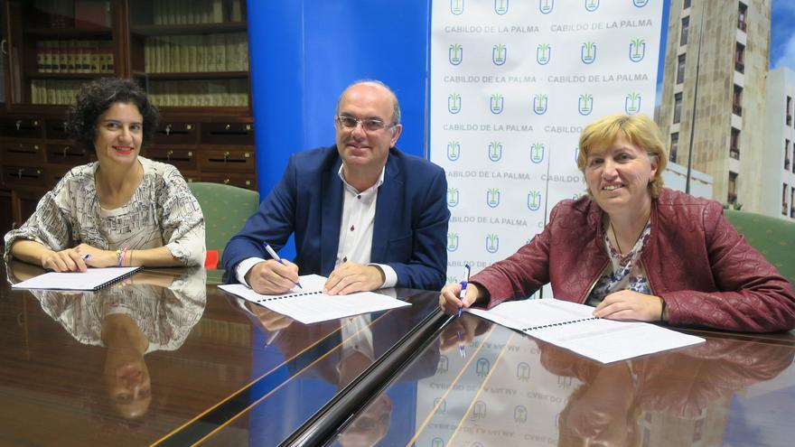 Firma del convenio con Padisbalta.