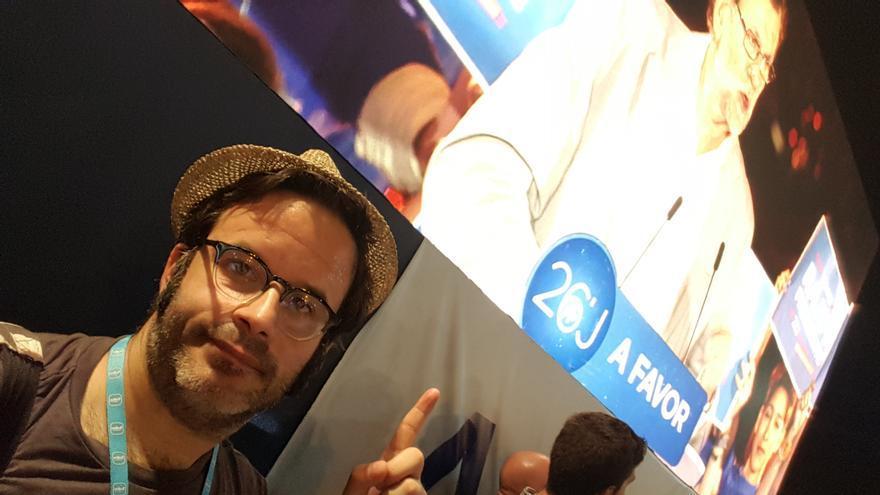 Selfie en el mitin de Rajoy de cierre de campaña en Madrid.