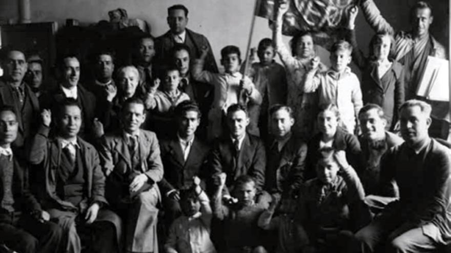 Reunión de militantes y dirigentes comunistas en Sevilla.