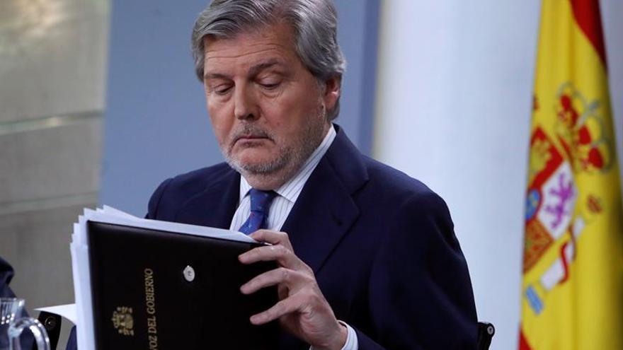 El ministro Méndez de Vigo ha anunciado este viernes el cese de Molons