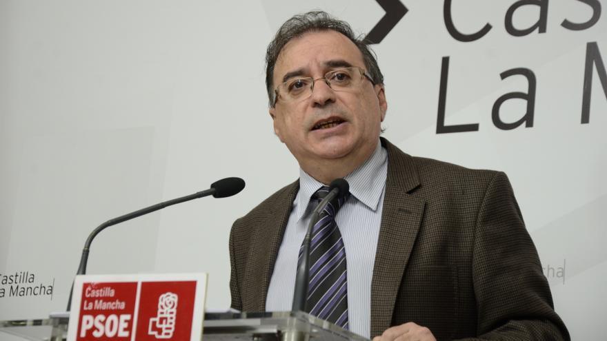 """PSOE C-LM exige a Cospedal que readmita """"ya"""" a los interinos y le insta a comprometerse a no recurrir la sentencia"""