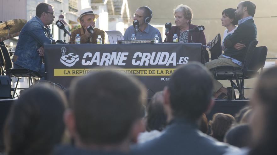 El director de Fariña Carlos Sedes y Antonio Durán Morris, uno de los actores protagonistas, en el FICBUEU