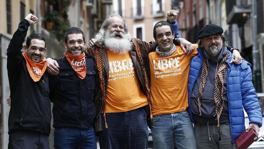 """Encausados de Askapena ven el fallo absolutorio como una """"victoria política"""""""