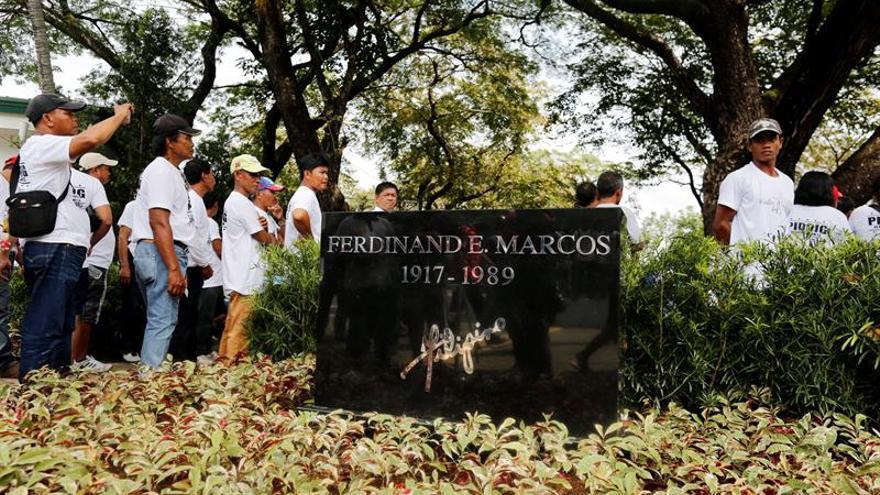 Piden al Tribunal Supremo de Filipinas exhumar el cadáver del dictador Marcos