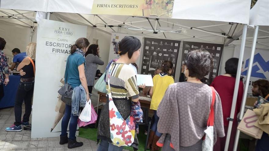 Este año, la feria contó con la presencia de autores como Blue Jeans y Javier Sierra. Foto: Europa Press.