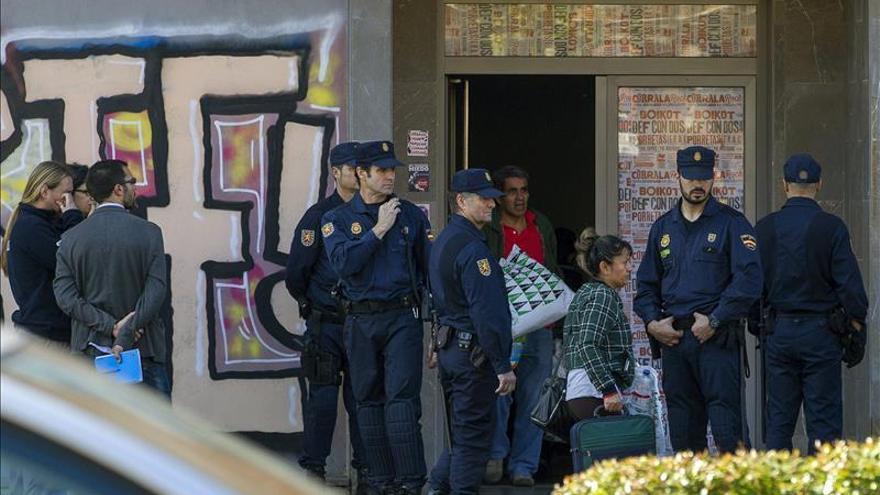 La Policía desaloja la Corrala Utopía en Sevilla