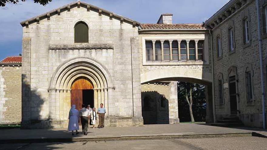 Fachada del santuario de Estíbaliz de Álava.