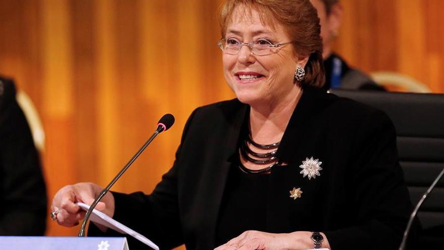 Bachelet pide que los colombianos ratifiquen en el plebiscito el acuerdo de paz