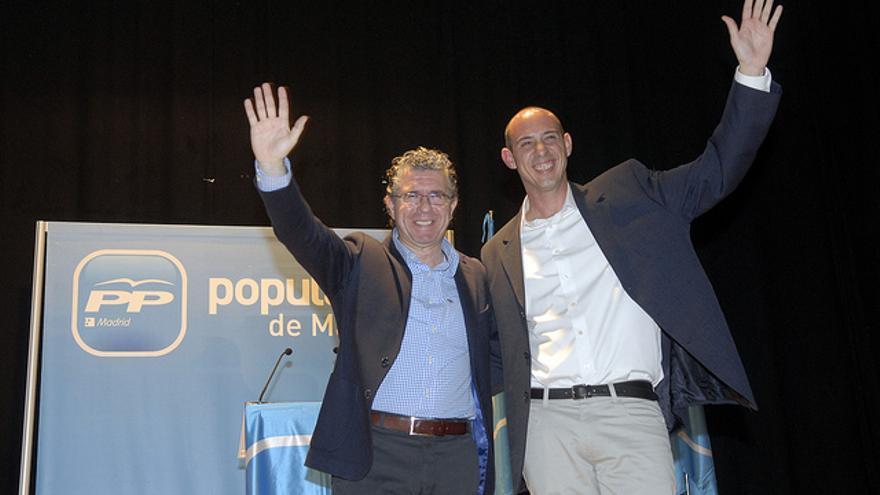 Francisco Granados y el alcalde de Casarrubuelos, David Rodríguez. / Flickr de Francisco Granados