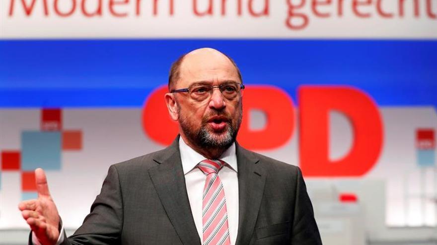 El SPD debate en un congreso federal su participación en un gobierno de Merkel