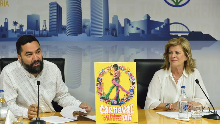 Israel Reyes e Inmaculada Medina en la presentación del cartel del Carnaval 2017