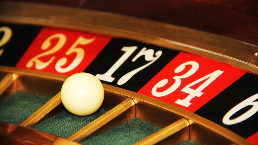 Una ruleta en un salón de juegos | PIXABAY