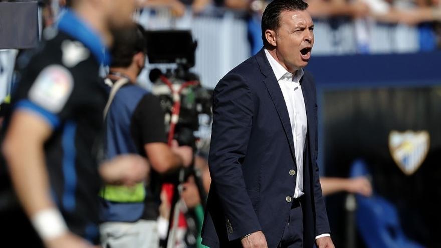 El Racing de Santander cesa a Iván Ania y nombra nuevo entrenador a Cristóbal Parralo
