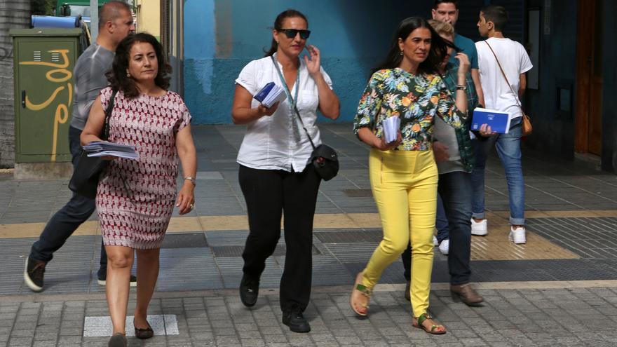 María del Carmen Hernández Bento visita el barrio de La Isleta (ALEJANDRO RAMOS)