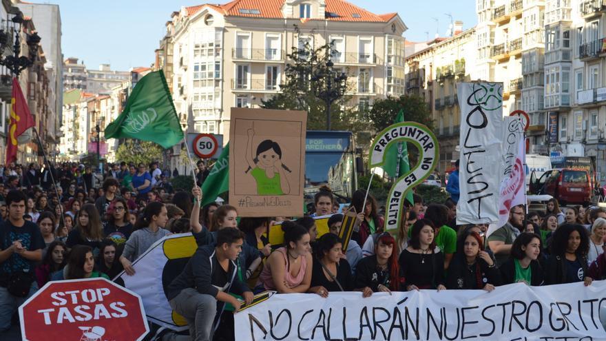 Manifestación por el juicio Preguntar no es Delito