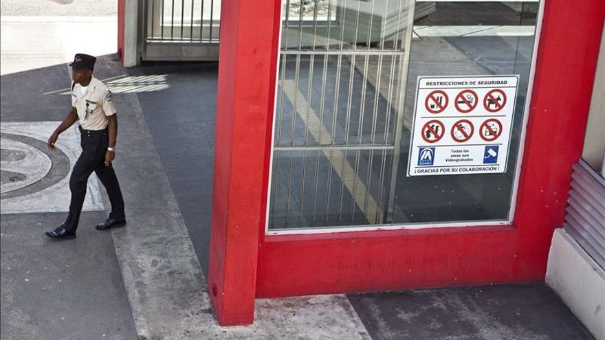 Se entrega a la Policía el supuesto autor del incendio en el metro dominicano