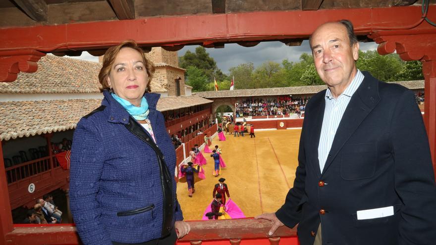 La consejera de Agricultura en una corrida de toros / Foto: JCCM