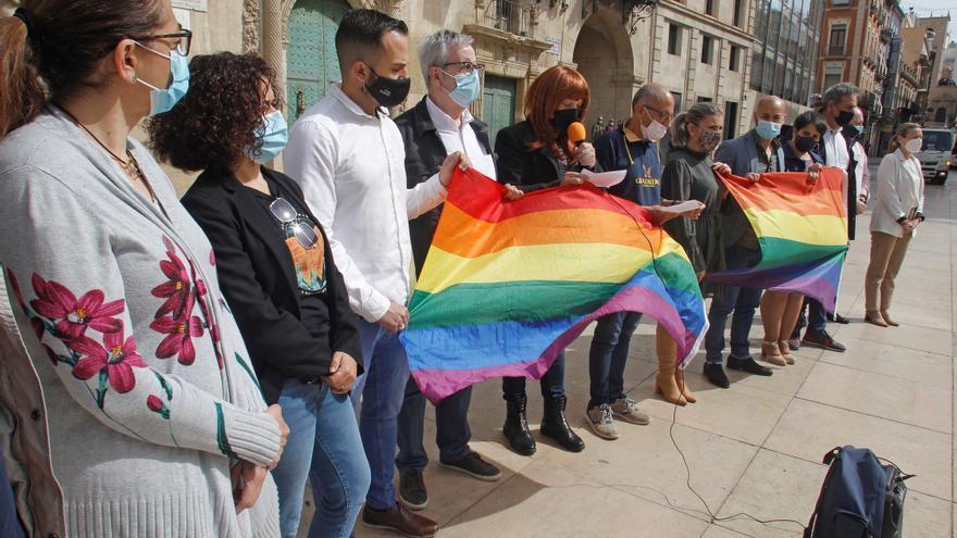 """Concentración en Alicante contra la """"manada"""" de la agresión homófoba"""