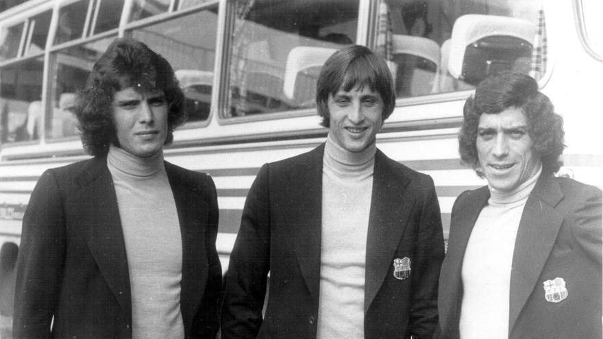 Cruyff posando con Juanito y Barrios en una foto de la época.