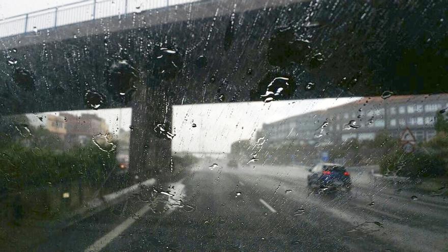 Fuertes lluvias en la autopista. Gran Canaria