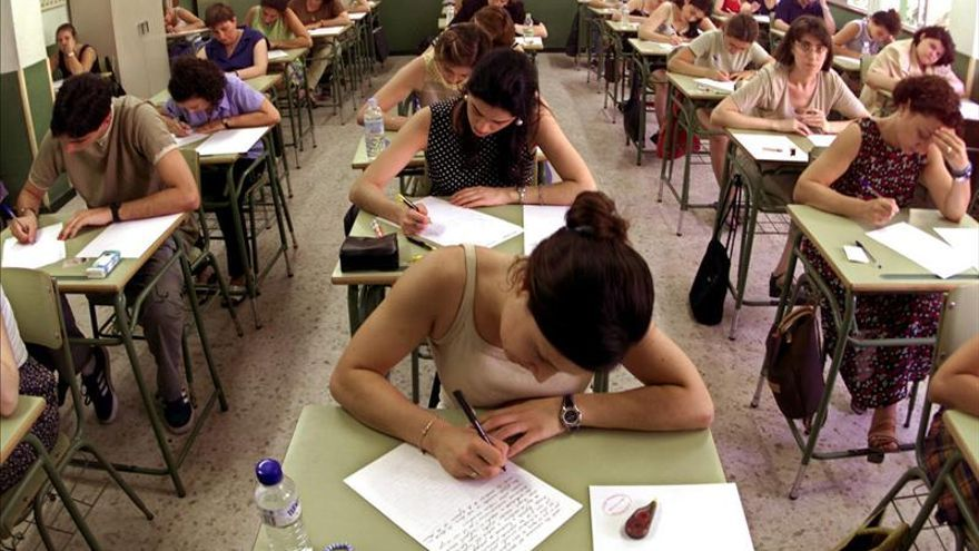 Educación convocará este año 350 plazas de maestro y 30 de inspector