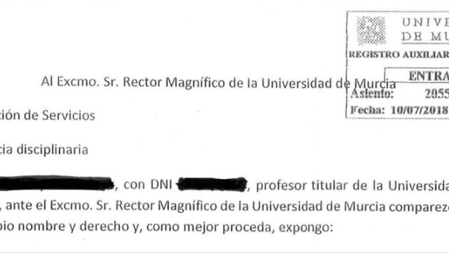 El #MeQueer trasciende las redes sociales: El exvicerrector de la Universidad de Murcia denuncia haber sido víctima de un episodio homófobo