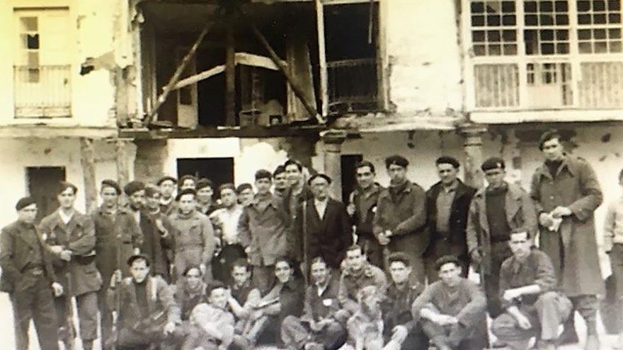 Gudaris de Elgeta, en 1936. El segundo por la derecha podría ser Pascual Askasibar. Foto: Revista Antzina