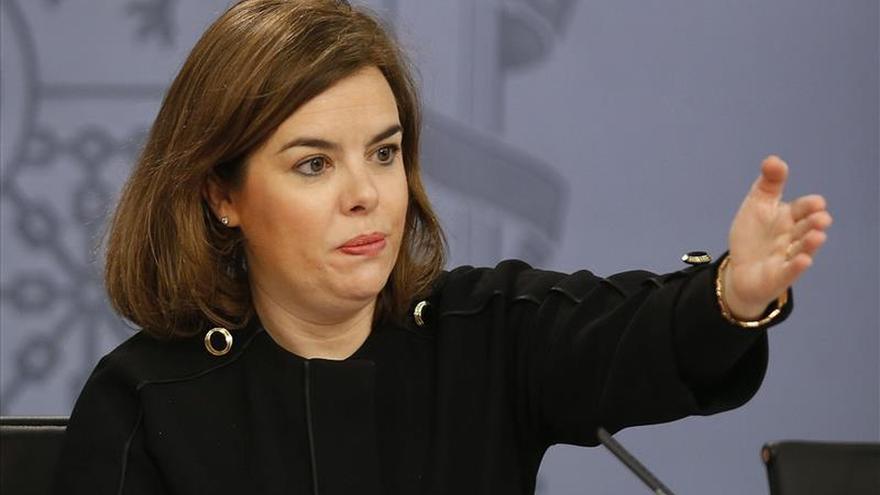El Gobierno concede condecoraciones a Hollande, Valls y otras autoridades de Francia