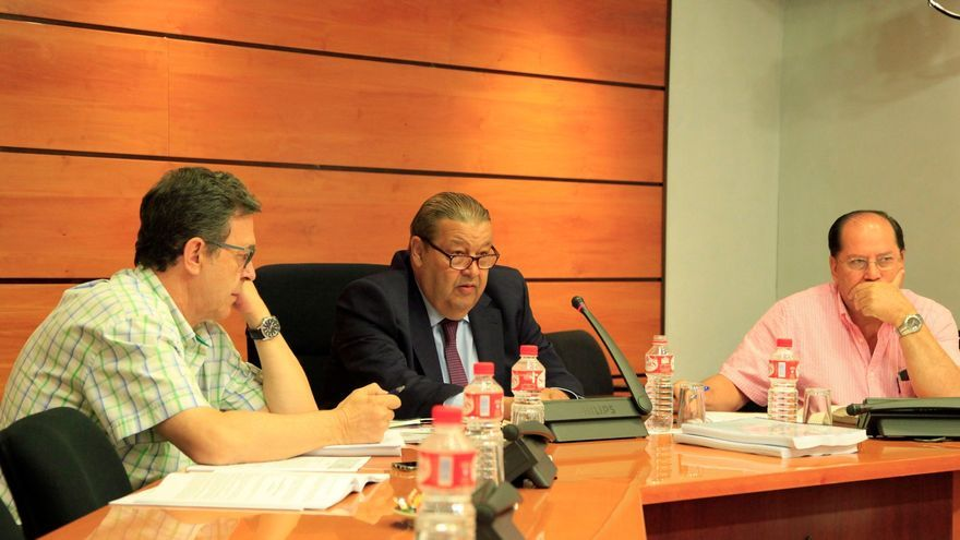 El presidente de las Cortes, Jesús Fernández Vaquero