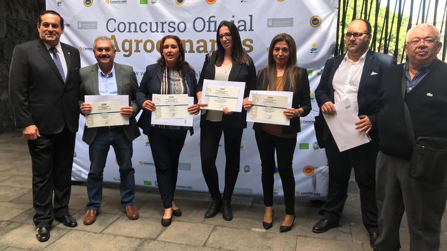 Basilio Pérez con los premiados palmeros en Agrocanarias 2018.
