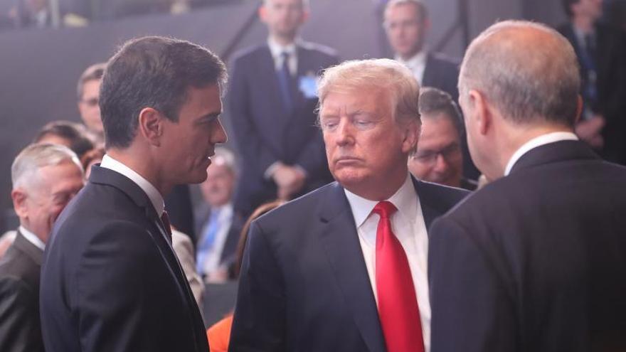 Sánchez y Trump se saludan por primera vez en la cumbre de la OTAN