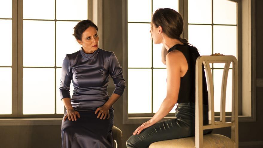 Aitana Sánchez-Gijón y Elena Rivera son madre e hija en 'La vuelta de Nora'