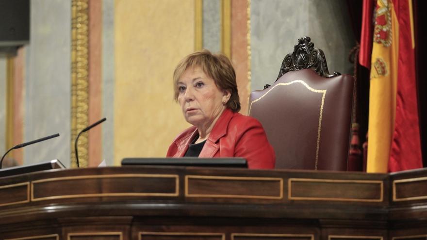 """Villalobos reprende a Coscubiela por llamar """"capo"""" a Rajoy: """"Puede decir palabras que no ofenden personalmente"""""""