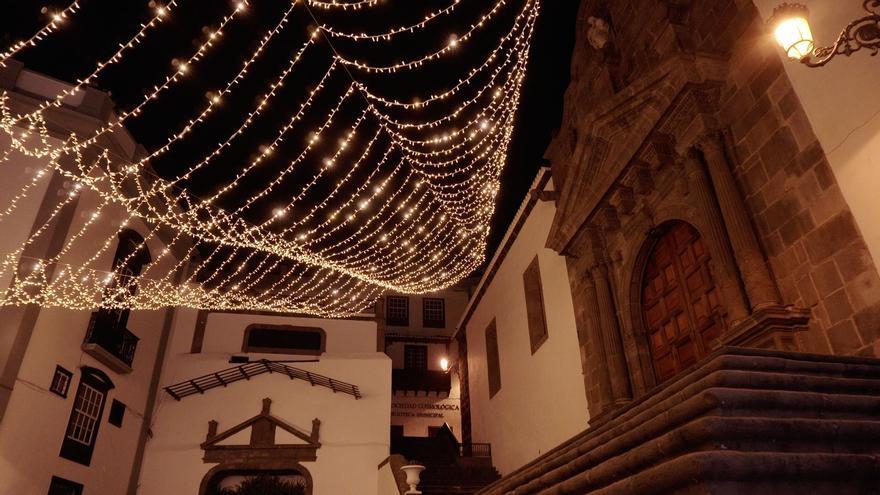 Santa Cruz de la Palma anuncia la Navidad con el encendido de luces y el pregón de Tajadre