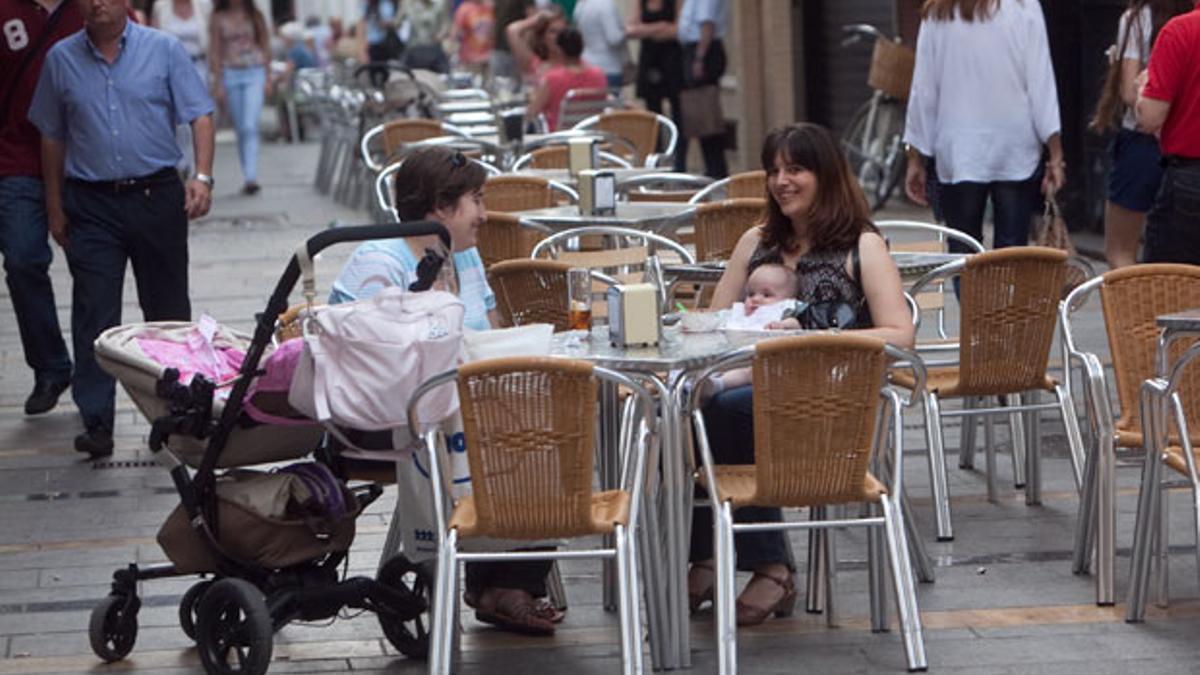 Veladores en una calle de Córdoba