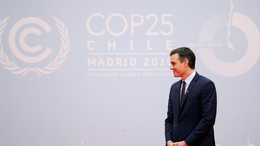 El presidente del Gobierno en funciones, Pedro Sánchez, al inicio de la  vigésimo quinta conferencia del clima de la ONU (COP25) que se inicia este lunes en Ifema en Madrid  y que se desarrollará hasta el 13 de diciembre en la capital española con 29.000 asistentes de 196 delegaciones, entre ellas medio centenar de jefes de Estado y de Gobierno, así como los altos representantes de la UE y contará por ello con un dispositivo de seguridad con 5.000 efectivos.