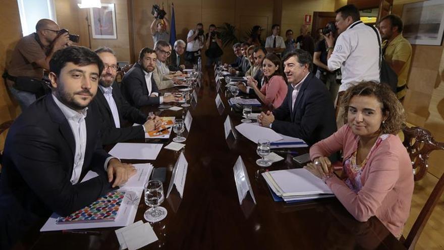 PP y Ciudadanos continúan con sus negociaciones para alcanzar un acuerdo