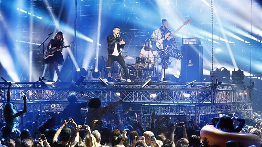 Justin Bieber y Lady Gaga triunfan en los Premios MTV Europe a ritmo de Bruno