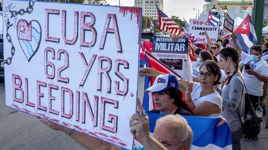 El exilio en Miami no cede en las protestas y planea una  flotilla a Cuba el viernes
