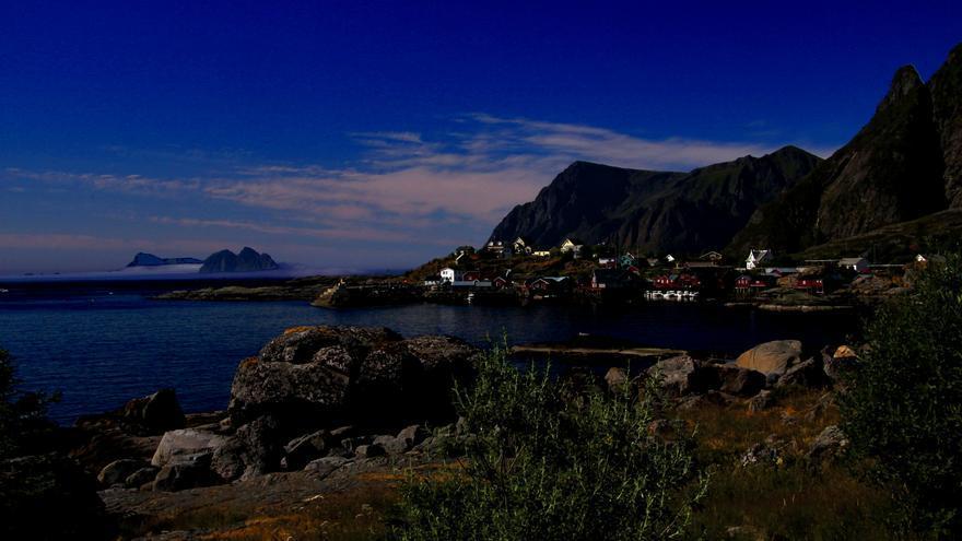 A supone el fin de la E-10 y el extremo sur de las Lofoten, ya que Rost no forma parte del Archipiélago. Guillaume Baviere
