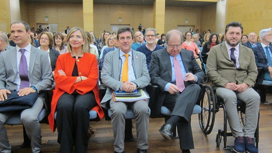 El presidente de la Asociación Estatal de Directores y Gerentes de Servicios Sociales, José Manuel Ramírez en un acto en Castilla y León