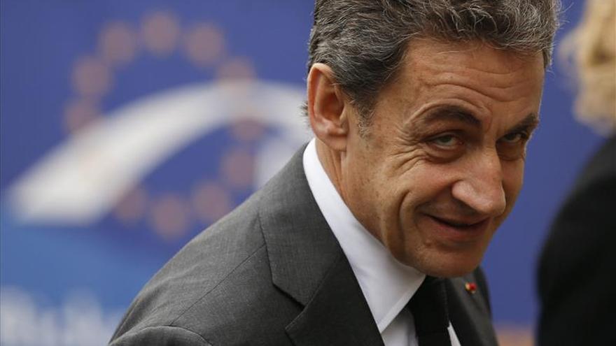 """Sarkozy dice que el resultado es un """"rechazo masivo"""" al presidente Hollande"""