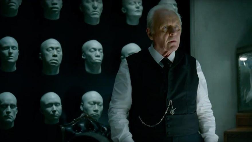 Anthony Hopkins explica la teoría de la mente bicameral en 'Westworld'