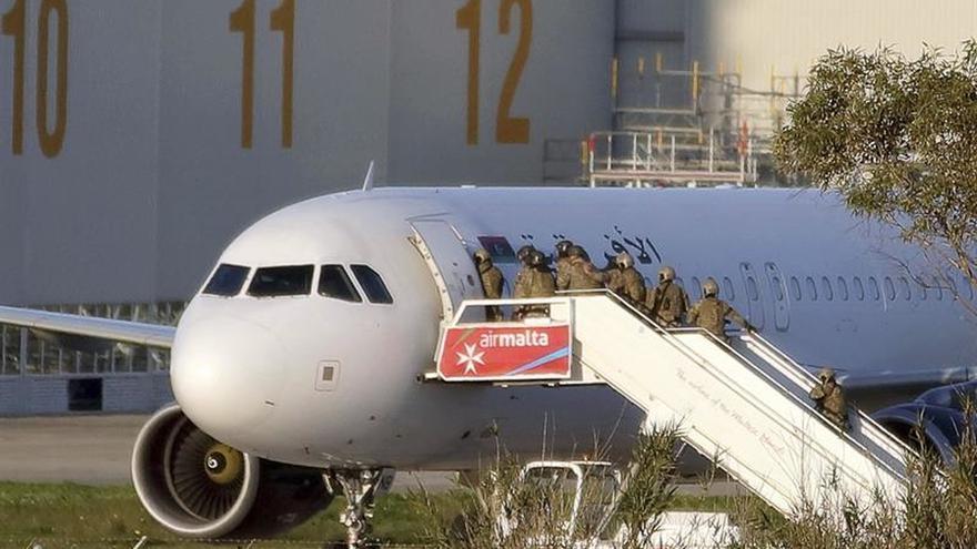 Regresan a Trípoli los pasajeros del avión libio secuestrado en Malta