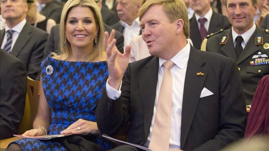 La visita de los reyes de Holanda a Moscú acaba con un nuevo incidente