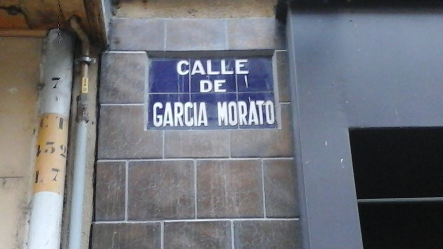 Calle dedicada a Joaquín García Morato, aviador franquista, en Torrijos