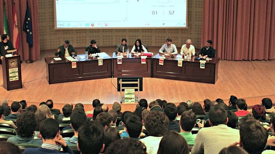Siete candidatos al Parlamento Andaluz debaten sus propuestas ante un público universitario