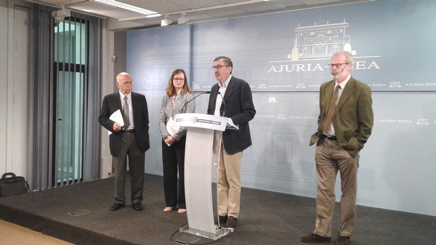 """Expertos en derechos humanos denuncian la falta de """"implicación"""" del Gobierno central en el desarme de ETA"""
