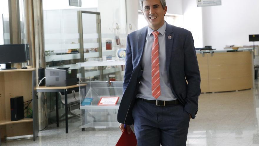 """El Gobierno convoca a CEOE, UGT y CCOO para """"retomar"""" el diálogo social"""