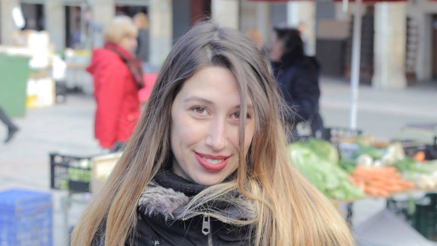 Marta terminó sus estudios universitarios y busco trabajo sin éxito. Ahora empieza un máster. / Foto cedida